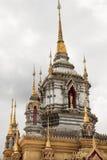 塔有天空背景 免版税库存图片
