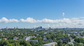 塔林,爱沙尼亚21 07 2017城市T的风景夏天全景 免版税库存照片