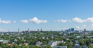 塔林,爱沙尼亚21 07 2017城市T的风景夏天全景 库存照片