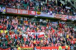 塔林,爱沙尼亚- 2018年8月15日, :Atletico马德里爱好者在t的 免版税库存照片
