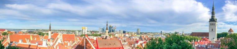 塔林,爱沙尼亚- 2017年7月15日:从Toompea的城市鸟瞰图 免版税图库摄影