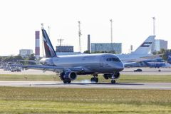 塔林,爱沙尼亚- 2018年5月31日:RA-89064苏航-俄国空气 图库摄影