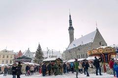 塔林,爱沙尼亚- 1月03 2017年:圣诞节市场 库存图片