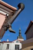 塔林,爱沙尼亚-长的起动街道Pikk Jalg的标志 库存图片