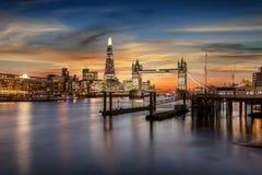 塔桥梁和塔地区泰晤士河 免版税库存照片