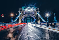 塔桥梁在一个雨天 免版税图库摄影