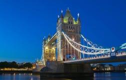 塔桥梁在伦敦在晚上,英国,英国 免版税库存图片