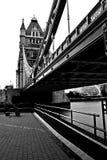 塔桥梁在伦敦 免版税库存图片