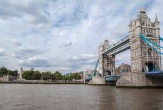 塔桥梁在伦敦 免版税库存照片