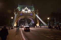 塔桥梁在晚上 免版税图库摄影