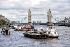 塔桥梁在泰晤士河的伦敦 免版税图库摄影