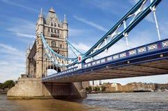 塔桥梁的中央间距在伦敦,英国 库存照片