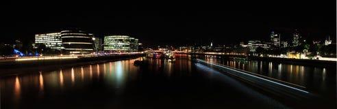 从塔桥梁,伦敦的看法 库存照片