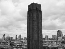 塔特现代在黑白的伦敦 免版税库存照片