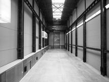 塔特现代涡轮霍尔在黑白的伦敦 免版税库存图片