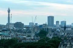 从塔特现代画廊的惊人的日落全景到市伦敦,英国,大英国 图库摄影