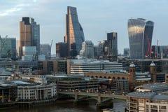 从塔特现代画廊的惊人的日落全景到市伦敦,英国,大英国 库存图片