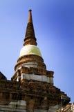 塔长袍泰国被包裹的黄色 免版税库存照片