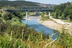 塔霍河在Constância, Ribatejo省,葡萄牙 免版税库存照片