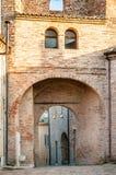 塔Monteguiduccio响铃的曲拱  库存图片