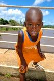 塞内加尔- 9月19 :从看凸轮的Dindefelo的小男孩 免版税库存照片