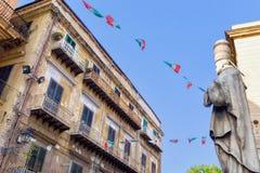 塞尔吉乌斯教皇雕象街道的在巴勒莫,意大利 库存图片