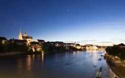 巴塞尔地平线在晚上 免版税库存照片