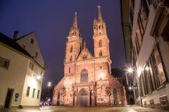 巴塞尔大教堂在晚上 免版税图库摄影