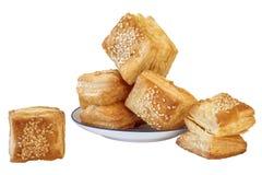 塞尔维亚Å ½ u-Å ½ u小正方形塑造了新月形面包油酥点心Isol 库存照片