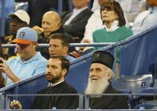 塞尔维亚东正教族长Irinej Gavrilovic在比赛期间的比利・简・金国家网球中心在美国公开赛2013年 库存图片