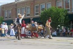塞恩,怀俄明,美国- 2010年7月26-27, :在街市Cheye的游行 库存图片