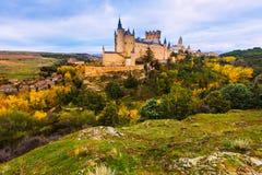 塞戈维亚城堡在11月天 免版税库存图片