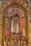 塞戈维亚,西班牙, 2016年4月- 14日:圣安东尼巴洛克式的雕象在我们的设想的夫人大教堂里由佩德罗del瓦尔161 库存图片