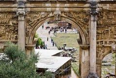 塞普蒂米乌斯・塞维鲁曲拱罗马论坛的 库存图片