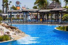 塞浦路斯,利马索尔- 2012年5月14日:在waterpark的看法 库存图片