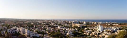 塞浦路斯 普罗塔拉斯 普罗塔拉斯全景的顶视图日落的 库存图片