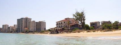 塞浦路斯 法马古斯塔 旅馆,被放弃四十年前 免版税图库摄影