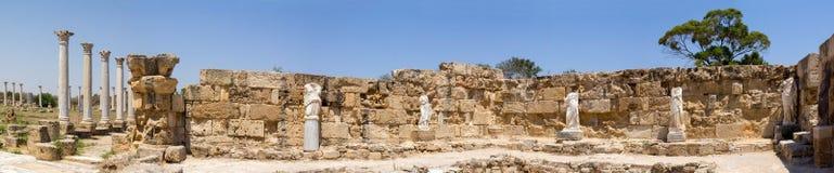 塞浦路斯 罗马解决蒜味咸腊肠的废墟(IV BC世纪) 看法浴 图库摄影