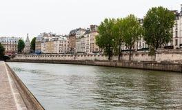 塞纳河,巴黎,法国,有La的援引海岛 免版税库存图片