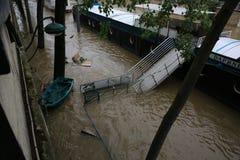 塞纳河洪水在2016年6月02日的巴黎 库存照片
