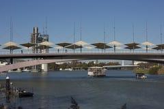 塞维利亚桥梁 免版税库存照片