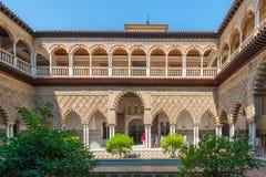 塞维利亚露台皇家城堡  免版税库存照片