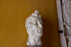 塞维利亚,西班牙的历史建筑和纪念碑 题头 雕象 大理石 免版税库存照片