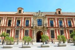 塞维利亚,西班牙- 2018年6月14日:大主教` s宫殿在广场虚象 图库摄影