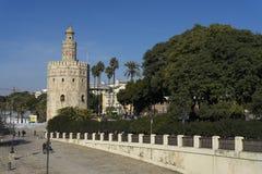 塞维利亚, La Torre del Oro的纪念碑 免版税图库摄影