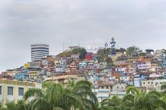 塞罗圣安娜低角度视图在瓜亚基尔厄瓜多尔 免版税库存图片