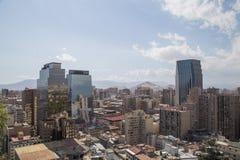 从塞罗看的圣地亚哥de智利地平线圣诞老人露西娅 图库摄影