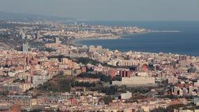 巴塞罗那和巴达洛纳海岸视图 免版税库存图片