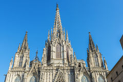 巴塞罗那大教堂的哥特式门面  免版税库存照片