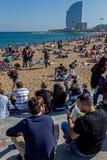 巴塞罗那市口岸的海滩和W旅馆  图库摄影